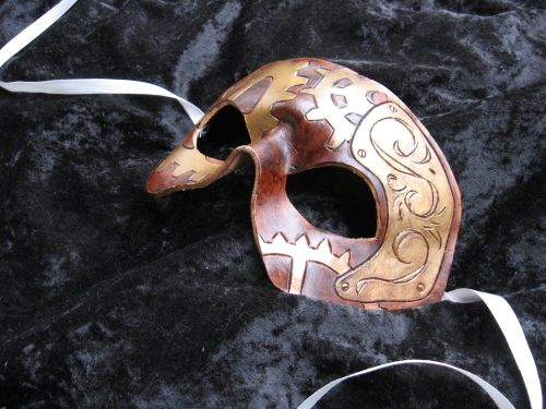 A simple, steampunk-y half-mask